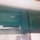 2002年式冷蔵庫です!新しく買い換えるのでこの度格安にて出します!