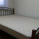 フランスベッドのマットレスと、ニトリのパイプベッド