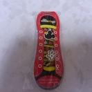 ミッキーマウスのマスコット靴ヒモ