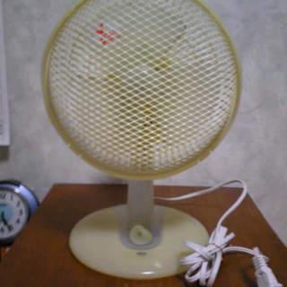 卓上扇風機をお売り致します。