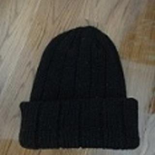 黒のニット帽
