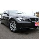 BMW 3シリーズ 320i (ブラック) セダン
