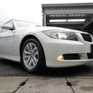 BMW 3シリーズツーリング 320i (パールホワイト) ...