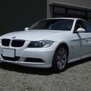 BMW 3シリーズ 320i (ホワイト) セダン