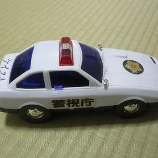 大型パトカーのおもちゃ 記名のUSED品 汚れ・キズあり