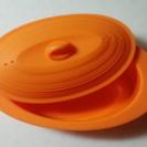 オレンジ色の可愛いスチーマー