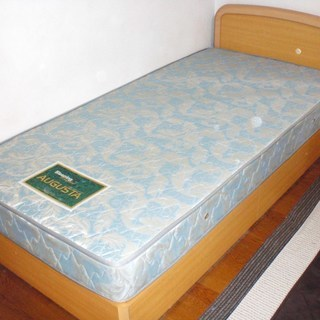 【終了】木製シングルベッド 無料で...