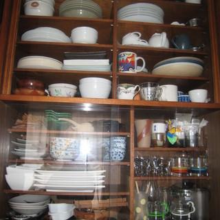 昭和レトロの3点セット 食器棚・レトロ柄トースター・カラーBOX - 家具