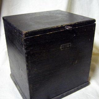フィルム用の木箱
