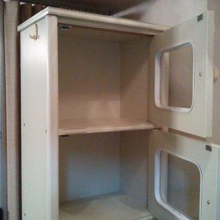 引越の為、扉付きBOX、差し上げます。運搬手伝います。(有料) - 家具