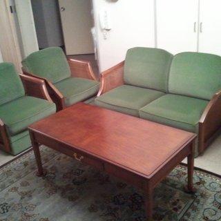 引越の為、テーブルとソファのセット、差し上げます。運搬手伝…