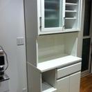 値下げ!横幅90cm!白い食器棚 アクリル表面
