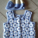 1才前後の手編みベストです。  新品(ハマナカ毛糸使用) …