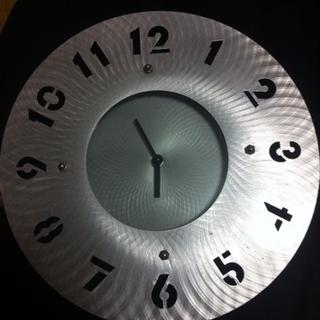 お洒落な掛時計