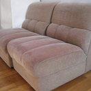 二人掛けクッションソファを無料でお譲りします