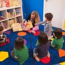 1歳半から6歳までのクラス、6歳から12歳まで野クラス、ママと一緒の英語コースなどの様々な幼児・子供向けの楽しい英語教育 - 英語