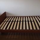 セミダブルベッド譲ります。