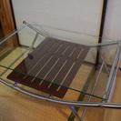 収納付きガラステーブル譲ります。