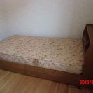 中古のシングルベッド(クッション・引出し付)WxL=965x2130
