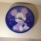 ミッキーマウスの巨大掛け時計