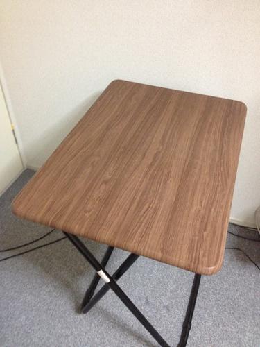 終了しました】東急ハンズ購入のしっかりとした折りたたみテーブル