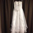真っ白なウェディングドレス
