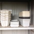 小型プランター、その皿5組、細かい鉢など