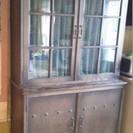差し上げます:ガラス扉つき二段本箱