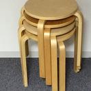 【無料】無印良品 木製丸椅子 (ほぼ新品) 引き取りに来て下さる方限定の画像