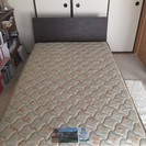 【終了】セミダブルの無印良品ベッドフレームとフランスベッドのマットレス - 中野区