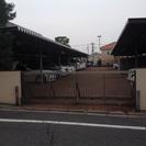 オートゲート、防犯カメラ、屋根付駐車場