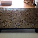 漆塗り螺鈿細工のテーブル(ガラスの...