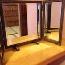 屋久杉の置き型三面鏡の画像