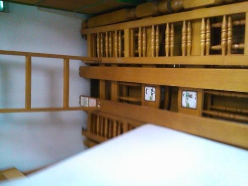 二段ベッドあげます (めたぼぷぅ) 八代のベッド《二段ベッド》の中古