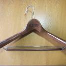木製ハンガー1