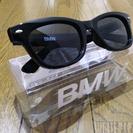 BMWのロゴ入りサングラス