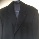綺麗な状態の黒色のコートです