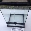 爬虫類用飼育ケージ ガラス製 保温ライト付