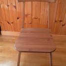 IKEAの木製椅子