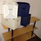 組立式の三段棚とCPボックス4個
