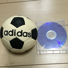 adidasのミニサッカーボールです。