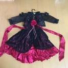 子供用のドレスとポレロのセット