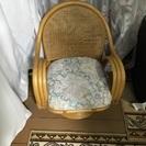 籐製の椅子で、しばらく、倉庫に眠っていました。