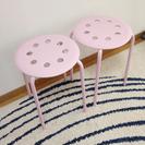 IKEAピンクのスツール2個セットで!