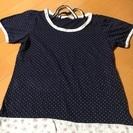 オリーブ の紺色半袖シャツ