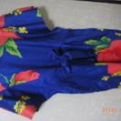 未使用の夏ワンピース2着。ハワイ風のワンピースと優雅なリボン付き...