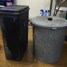 ブリキ製バケツ&プラスチック製ゴミ箱 − 神奈川県