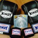 ほとんど新品 ボクシング練習グローブと新品マウスピース