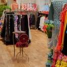 フラメンコ衣装の販売スタッフ/月給23万~28万 ※女性、日本人の...