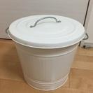 IKEA  KNODD ふたつきゴミ箱